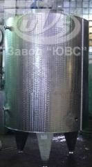 Резервуар с перемешивающим устройством