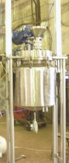Реактор опрокидывающийся с мешалкой для особо вязких смесей
